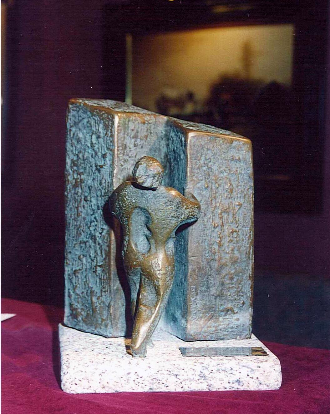 Estatua conmemorativa de la IIIº Edición de los Premios Anuales de la Fundación CEL - Iniciativas por Lugo.