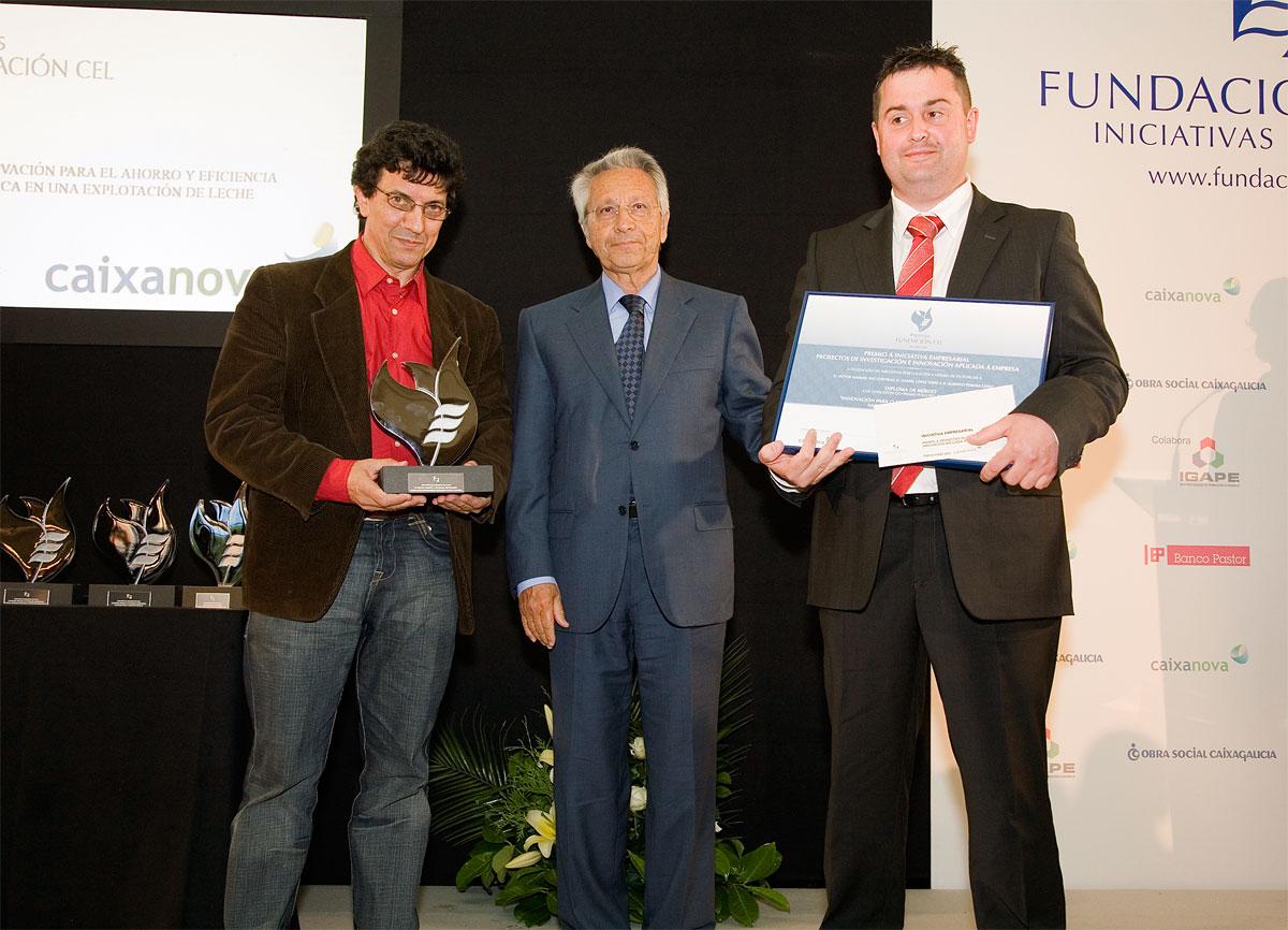 """Ganador del Premio a Proyectos de Investigación e Innovación Aplicada a la Empresa: """"Innovación para o Aforro e Eficiencia Enerxética nunha Explotación de Leite""""."""