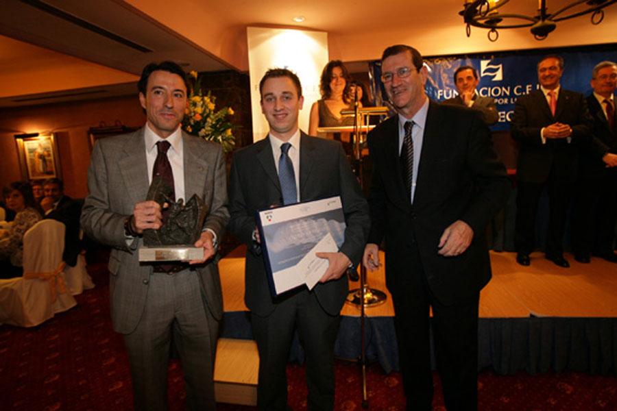 Ganador del Premio a Proyectos de Investigación e Innovación Aplicada a la Empresa: Dispositivo Flotante para la Captación de la Energía del Oleaje.