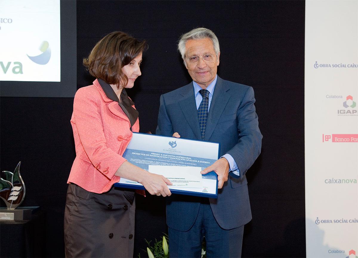 """Accésit del Premio a Proyectos de Investigación e Innovación Aplicada a la Empresa: """"Elaboración dun Abono Ecolóxico a Base de Algas e Restos de Peixe""""."""