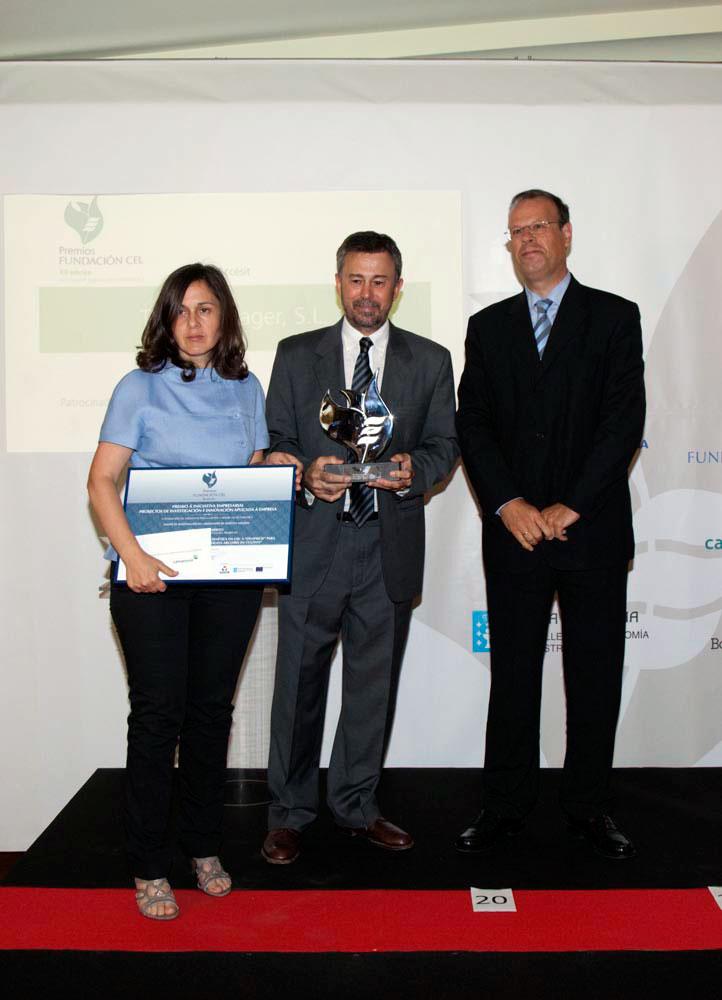 Ganador del Premio a Proyectos de Investigación e Innovación Aplicada a Empresa: Asitencia técnica del Departamento de Genética de la USC a Ovapiscis para la obtención de produtores de trucha arcoiris en cultivo.